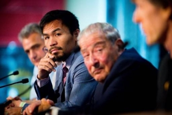 Philippine boxer Manny Pacquiao, second left,  and boxing promoter Bob Arum, second right, attend a press conference to promote Pacquiao's upcoming WBO Welterweight title fight against Australian challenger Jeff Horn at Suncorp Stadium in Brisbane on June 28, 2017. — AFP