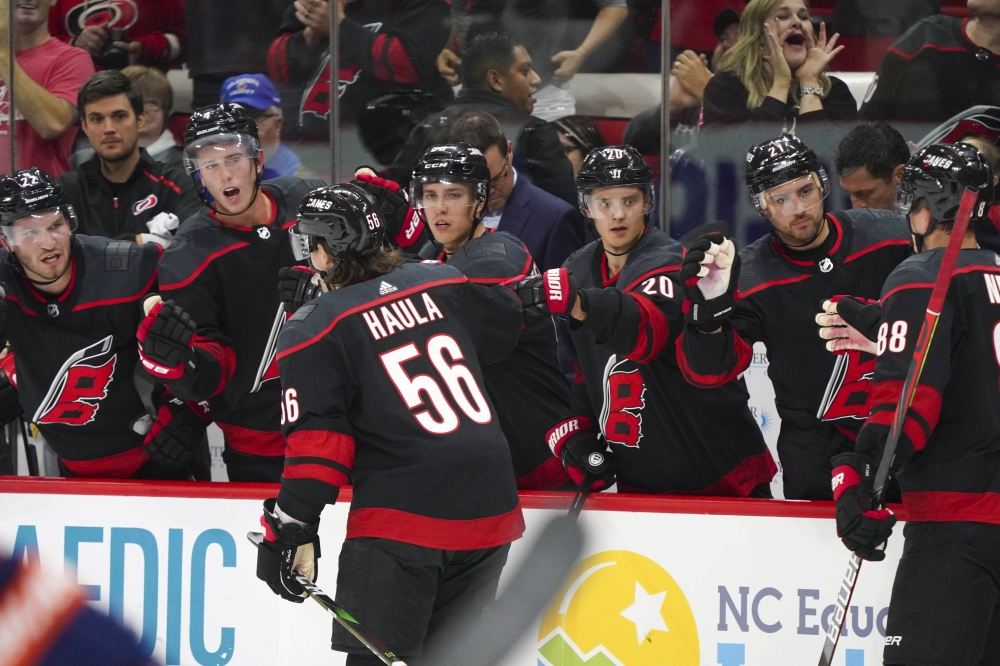 Hurricanes down Isles, improve start to 5-0-0