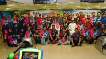 A group photo of the Malaysia participants at the Bowling City, Sultana Mall, Jeddah.