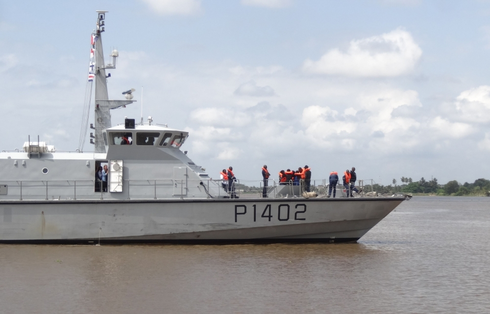 A French warship on which nine magistrates and three Ivorian police and gendarmerie officers spent two days to strengthen their capacities and better combat the piracy that is ravaging the Gulf of Guinea, in the port of Abidjan, on Friday. -AFP
