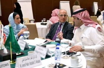 British Ambassador to Yemen Michael Aron (center) with Saudi Ambassador to Yemen and Supervisor-General of the SDRPY Mohammed Al Jabir (right) and SDRPY's Abeer Al Saud at the KSA-UK Workshop on Stabilization, Riyadh, on Tuesday. — Courtesy photo