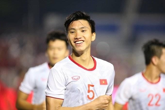 Doan Van Hau scores a brace as Vietnam thrash Indonesia 3-0 to claim their first-ever SEA Games title.