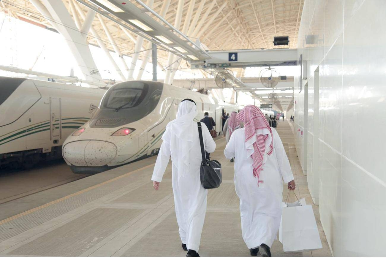 The Haramain High Speed Train resumed services on Wednesday between Jeddah and Madinah. For the first time, the train started operation from the railway station of the new terminal of King Abdulaziz International Airport (KAIA).