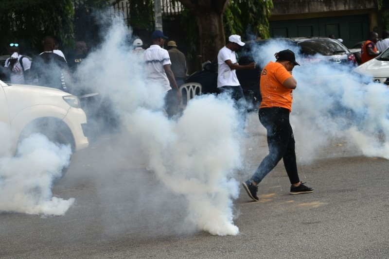 Police fired tear gas to disperse supporters of the Generations et peuples solidaires (GPS) (