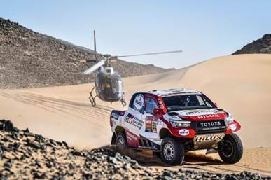 Mathieu Serradori gave a perfect reaction on stage 8 with a genuine demonstration with the former biker taking advantage of the tracks made by Carlos Sainz, Nasser Al-Attiyah and Stéphane Peterhansel in the Dakar Rally on Monday.