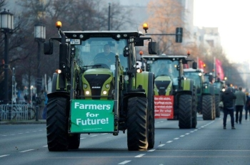 Thousands of tractors descended on cities across Germany on Friday at the opening of Berlin's annual 'Green Week' trade fair. -AFP