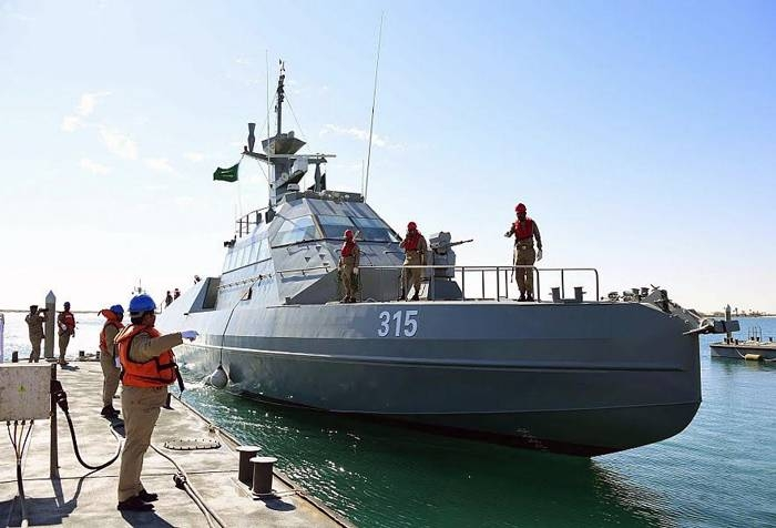The Ministry of Defense received its first batch of French fast interceptor vessels in the Eastern Province on Thursday.