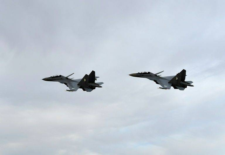 Algerian Sukhoi Su-30 fighter jets take part in manouvers last April. — File photo