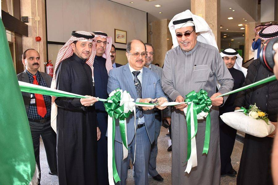 Indian Ambassador Dr. Ausaf Sayeed inaugurates the Indian Catalogs Exhibition at the Al-Ahsa Chamber of Commerce and Industry on Wednesday.