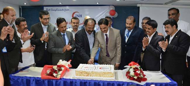 V.P Mohammed Ali and R. Prabu Chandran cut the cake to celebrate the occasion of resumption of Air India direct service to Calicut in a ceremony in Jeddah on Wednesday.