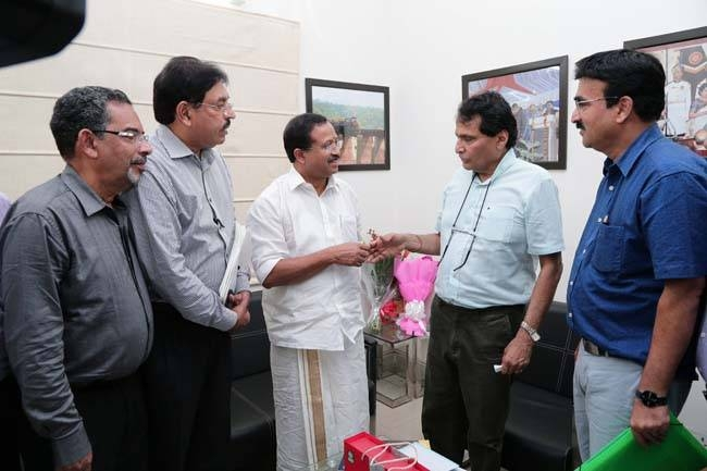 Malabar Development Forum delegation meets the then India's Minister of Civil Aviation Suresh Prabhu, along with the current Minister of State for External Affairs and Parliamentary Affairs V. Muraleedharan in New Delhi. (File photo).