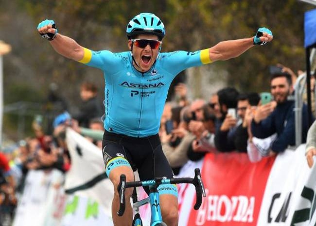 Defending champion Jakob Fuglsang won the first stage of the Tour of Andalucia on Wednesday.