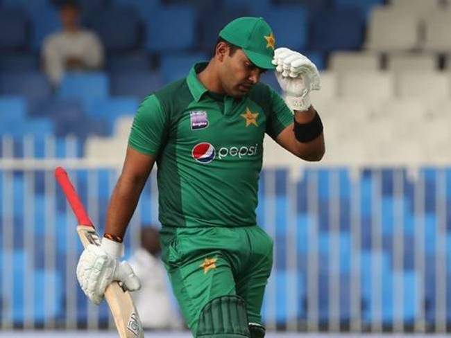Pakistan's Umar Akmal was suspended Thursday under an anti-corruption rule, cricket officials announced, sidelining him from the Pakistan Super League pending an inquiry.