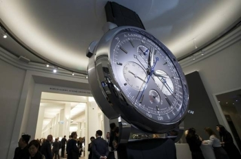 The organizer of Geneva's international expo of fine watches said Thursday it had decided to cancel the April event because of the spread of the deadly new coronavirus.