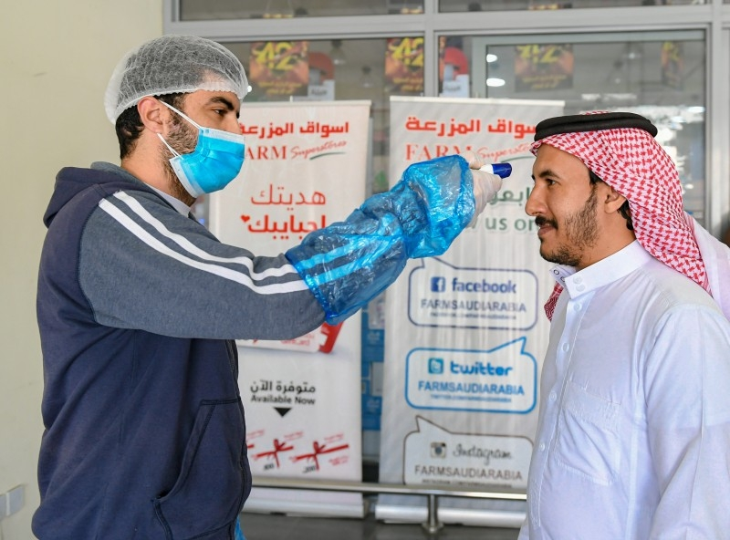 Saudi Arabia reports second coronvirus death as infections hit 900