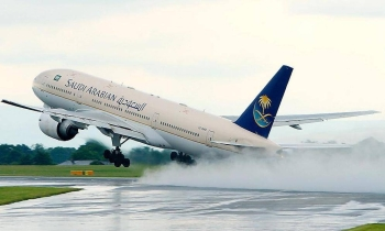 Saudi Arabian Airlines has agreed to operate special flights to allow British nationals and their families to return to the United Kingdom.