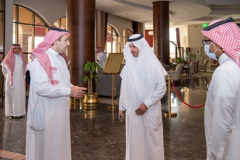 Minister of Tourism Ahmad Al-Khateeb on Sunday inspected a number of tourist accommodation facilities here in order to ensure their readiness with all the required standards and services to receive quarantine cases.