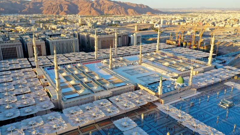 King Salman approves decision to reduce Taraweeh prayers