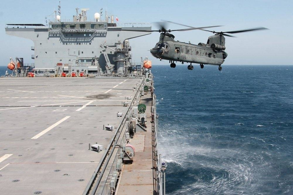 The United Arab Emirates Joint Aviation Command (JAC) conducted five-day-long combined naval and air training operations with forces assigned to US Naval Forces Central Command (NAVCENT) and US Air Forces Central Command (AFCENT) in the southern Arabian Gulf recently.