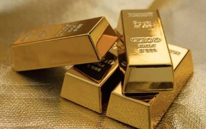 Gold cleared the $1,800 resistance and rallied to $1,820 per oz on stops.