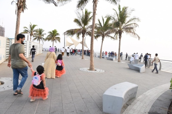 Saudi Arabia reports 1,573 new coronavirus cases amid Eid festivities