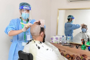 There were five salons in Mina, including four working around the clock and the fifth one as a standby. — SPA