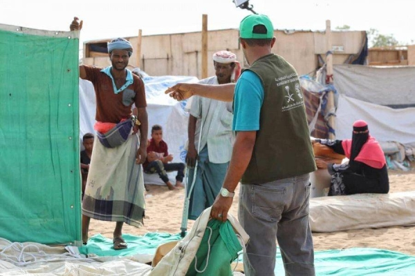 As part of the aid campaign, tents, blankets and rugs are being distributed to the families who have lost their shelters due to the rains and torrential floods in the two governorates. — SPA photos