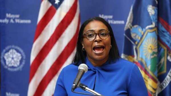 Rochester city Mayor Lovely Warren said Seven police officers have been suspended over the death of a black man in New York who suffocated after being restrained.