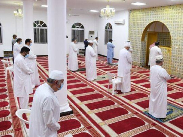 Fajr prayers were allowed on Aug. 28 as the first step of the gradual reopening of mosques and resumption of collective worship and religious gatherings. — BNA photo