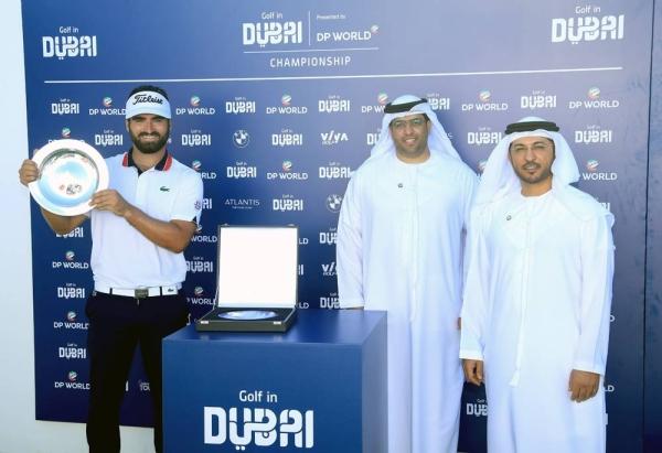 (L-R) Antoine Rozner, Ahmad Al Haddad, COO Jebel Ali Free Zone, and Abdulla Bin Damithan, CCO DP World UAE region.