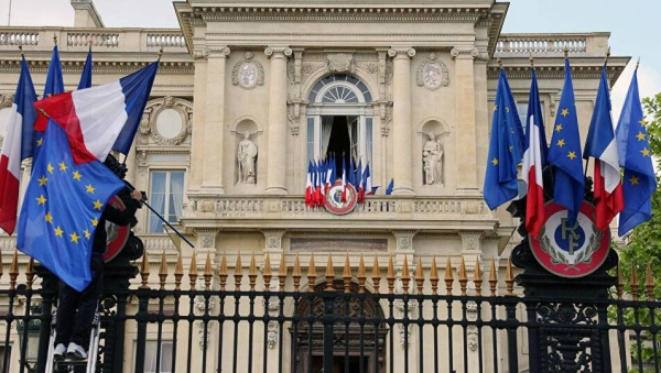 The French Republic Saturday welcomed the implementation of Riyadh Agreement, leading to the formation of a Yemeni government between the legitimate Yemeni government and the Southern Transitional Council.