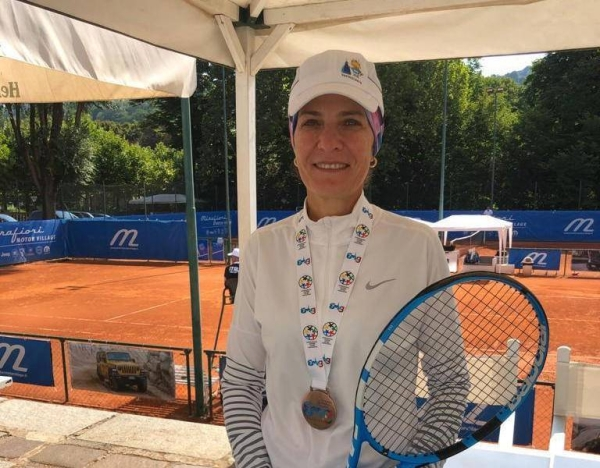 Areej Mutabagani comes from a family that loves tennis. Her husband Fahmi Saleh is the former tennis champion, who represented the Kingdom in many tournaments and their children are currently playing the game.