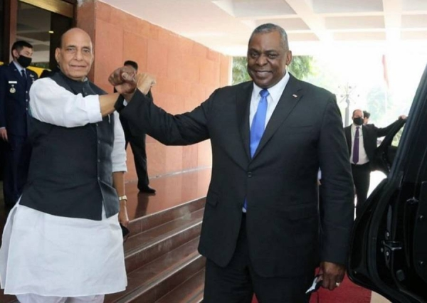 Indian Defense Minister Rajnath Singh and his American counterpart Lloyd Austin prior to their talks in New Delhi on Saturday.