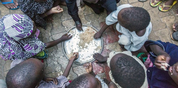 Internally displaced children from Dikwa in Borno state, Nigeria, having their evening meal at the house of their host. (file photo)UNICEF/Andrew Esiebo FIle photo shows internally displaced children from Dikwa in Borno state, Nigeria, having their evening meal at the house of their host. — courtesy UNICEF/Andrew Esiebo
