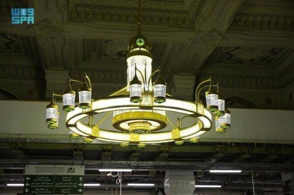 120,000 lighting units illuminate Grand Mosque