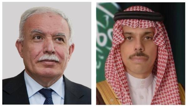 Foreign Minister Prince Faisal Bin Farhan, right, and Palestinian Foreign Minister Riyad Al-Maliki.