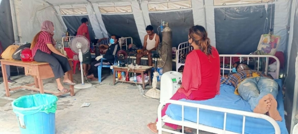 UNICEF staff and the Nepal Army instal a medical tent on the premises of the overcrowded Bheri Hospital in Nepalgunj Sub-Metropolitan City, mid-western Nepal, in this courtesy file photo.