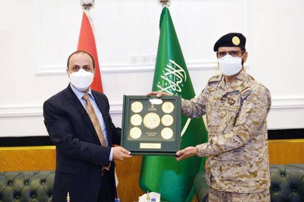 Deputy Chief of the General Staff and Acting Joint Forces Commander Lt. Gen. Motlaq Bin Salem Al-Azimah received on Monday Yemeni Minister of Information, Culture and Tourism Moammar Al-Eryani at the Joint Forces Command of the Coalition Headquarters in Riyadh.