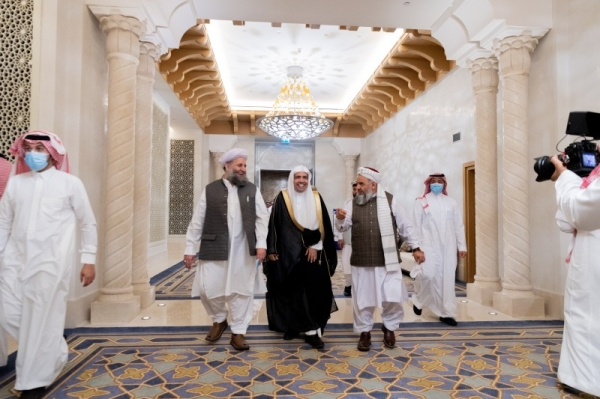 Senior Islamic scholars from Afghanistan, Pakistan sign historic Afghan peace declaration in Makkah