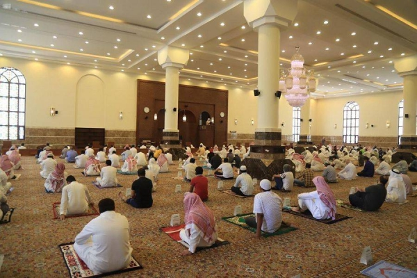 Minister Al-Sheikh updates health protocols for mosques