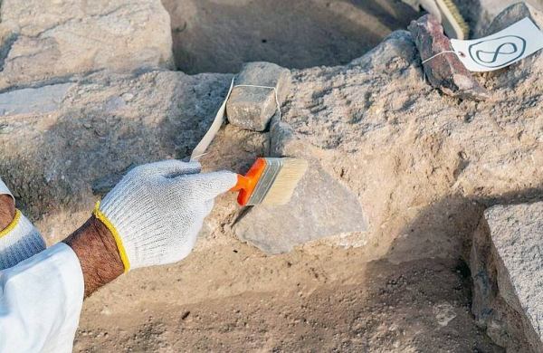 The Heritage Commission has launched the first phase of the Archaeological Excavation Project in Qassim Region, as part of its efforts to protect and preserve heritage and cultural sites around the Kingdom of Saudi Arabia from any potential threats.