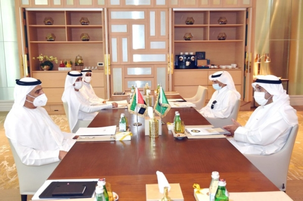 Secretary-General of the Gulf Cooperation Council (GCC) Dr. Nayef Al-Hajraf met here on Monday with the UAE Minister of State for Financial Affairs Obaid bin Humaid Al Tayer, the UAE's official news agency, WAM, reported.