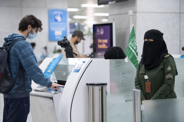 This will be applicable only to those foreigners who have left the Kingdom on exit and reentry visa after taking two doses of vaccine against coronavirus from Saudi Arabia.