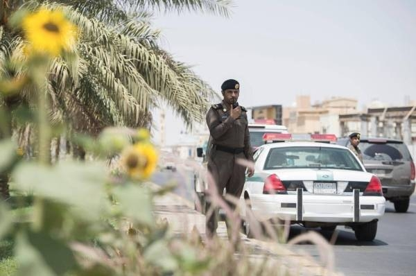 Jail for 22 Saudis who prevented imam from performing Friday sermon