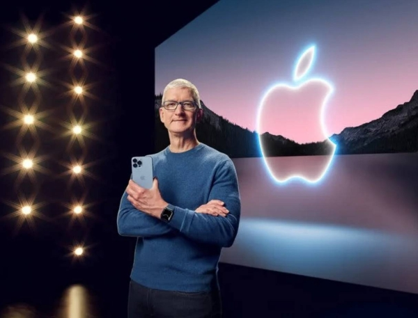 Apple CEO Tim Cook showcases the advanced camera system on the new iPhone 13 Pro. — Courtesy photo.